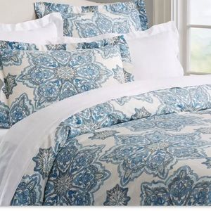 Pottery Barn Brit Medallion Euro Pillow Sham Blue
